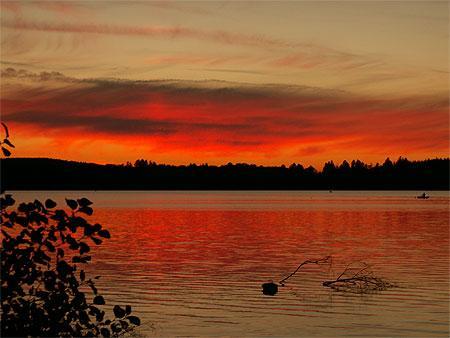 Coucher de soleil sur le Lac des Settons